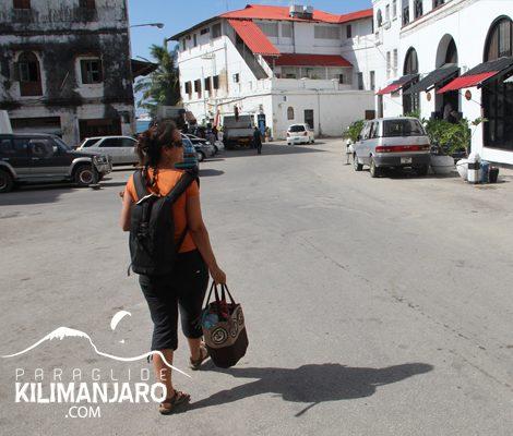 ParaglideKilimanjaro_Zanzibar_ByAlistairStuart_2_400x500